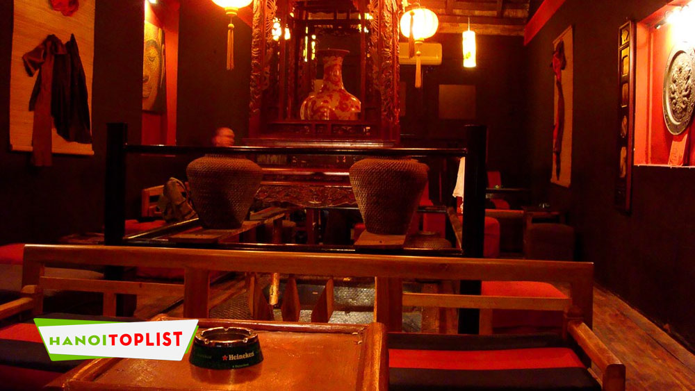 mao-s-red-lounge