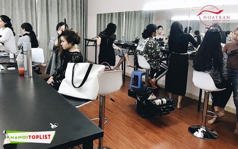 hoc-makeup-chuyen-nghiep-o-ha-noi-hoa-tran-makeup