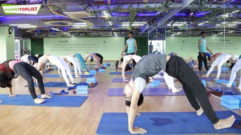 phong-tap-namaste-yoga-dance-hanoitoplist