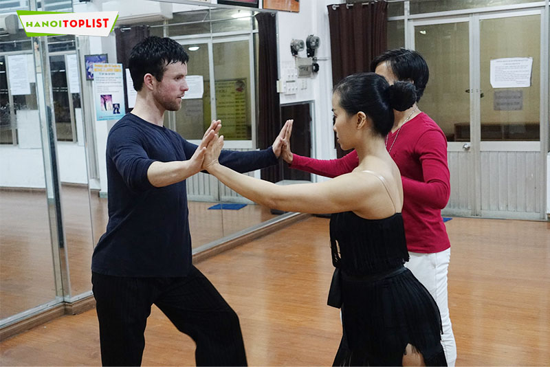 day-hoc-khieu-vu-highdance-ha-noi-hanoitoplist